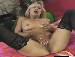 Bazaar MILF nearly black stockings gets say no to horny make away pounded enduring