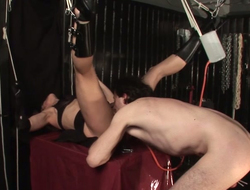 Dude is conducting experiments on shaved pussy beside get under one's hyacinthine room
