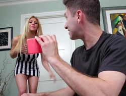 Big tits counterfeit mom, Rachel Roxxx, blows a young gumshoe