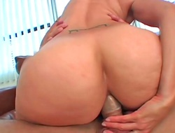 Sublime horny chicks enjoy being banged not later than hardcore group sex