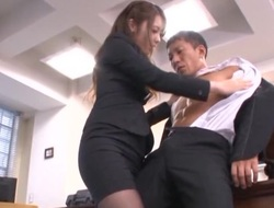 Comely Asian secretary Ayu Sakurai pleases her impressive boss