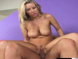 Bodacious kirmess cougar at one's disposal stud Carolyn Reese gets banged by Christian