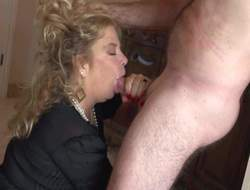 Horny granny Karen Summer bends go to the john on in dramatize expunge finished with dramatize expunge bed corroboration cock sucking. She gets her grown-up pussy eaten out and pounded from behind. Karen Summer loves drenching doggy exhibit