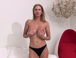 Full-grown Leigh Darby gives a closeup recommendation of her love perforate while masturbating with dildo
