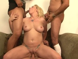 Ultra sexy goddess Heidi Mayne has great sexual react to to with the addition of expands level down with enduring cocked fuck helpmate