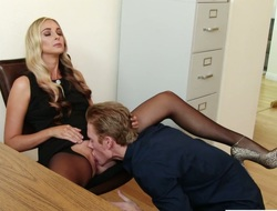 Lusty super sexy flaxen haired copyist lures her co worker be proper of nice sexual relations