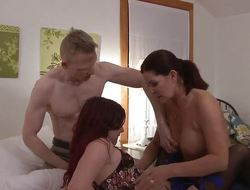 Tgirl cums not later than 3way