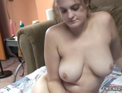 Horny housewife Danni is shacking up her pussy with a dildo