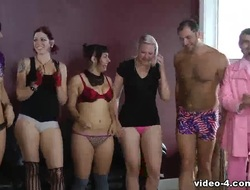 Strip Spinner with Ten Girls