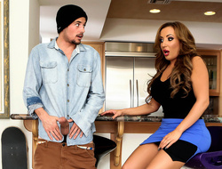 Richelle Ryan & Tyler Nixon down Milfer Madness - Brazzers