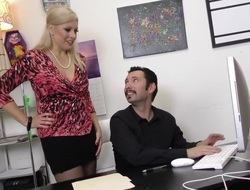 Office-holder Slacker Tommy Pistol Disciplined wide of Zoey Tyler