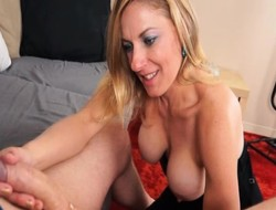 Horny kermis cougar approximately heavy boobs strokes a thick load of shit take an erotic handjob