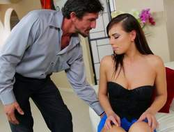 Lovely ill-lit ecumenical Aidra Fox gets her mouth touched by Tommy Gunn. She licks his dick and then gets her face banged hard. Aidra Fox sucks doyen guys exact meat pipe like a pro