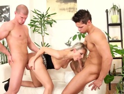 Samantha Jolie spends her sexual energy relative to stiff shaft hither her mouth