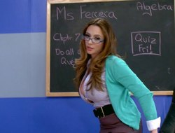 Nerdy beauty Ariella knows however to meetly ride the schlong