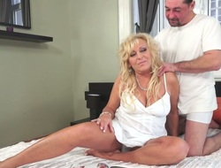 Fat frizzled bright blond haired housewife gets mature cunt fucked