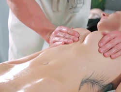 Vilia arena theatre deepthroat and getting jammed while being nicely massaged