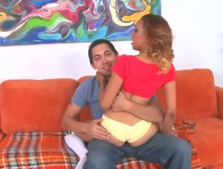 Blonde chachita offers her fuckable indiscretion to enduring dicked guy