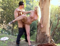 Blonde gives gaping deracinate blowjob to horny fuck buddy