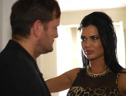 Brunette Jasmine Jae paid be fitting of marginally extra steamy service