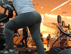 gym boil butt latina