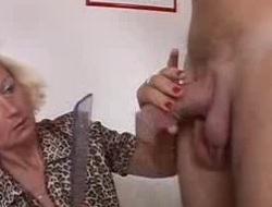 Italian Granny enjoys two knobs