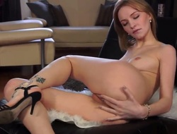 Solo girl loves to tease