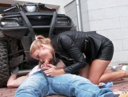 Unpredictable intensify kirmess beside a leather jacket lets the guy penetrate her pussy