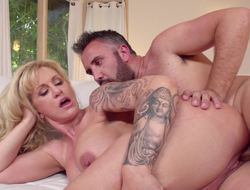 Bedraggled milf cunt of Ryan Conner takes a big dick fucking